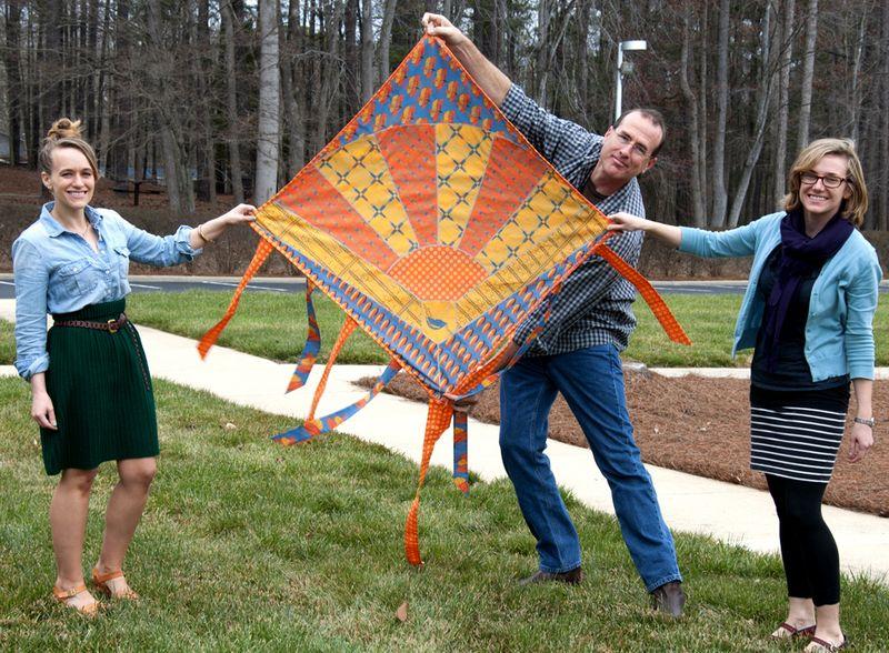 Kite quilt, standing