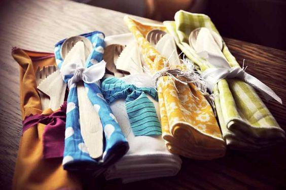 DIY wedding custom napkin and guest gift souvenir