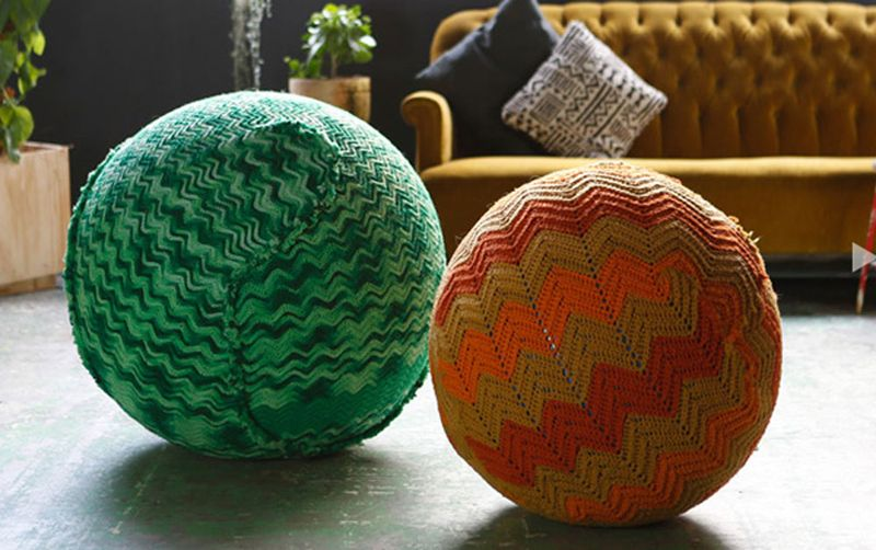 Knitted_yoga_balls