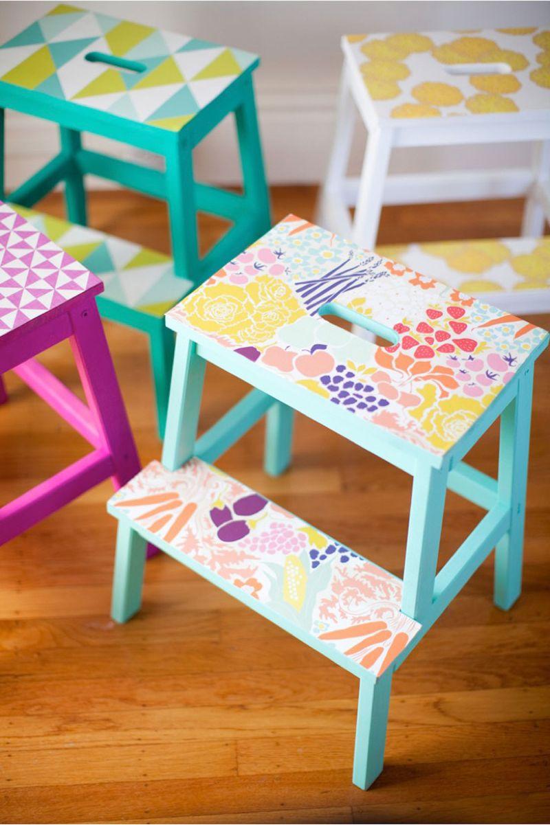 DIY-wallpaper-stools